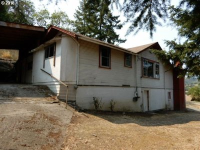 Roseburg OR Single Family Home For Sale: $98,500