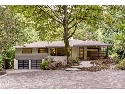 Portland Single Family Home For Sale: 6868 SW Terwilliger Blvd
