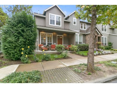 Lake Oswego Single Family Home For Sale: 32 Wilbur St