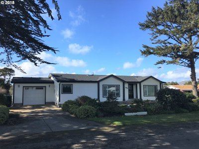 Bandon Single Family Home For Sale: 815 10th St SW