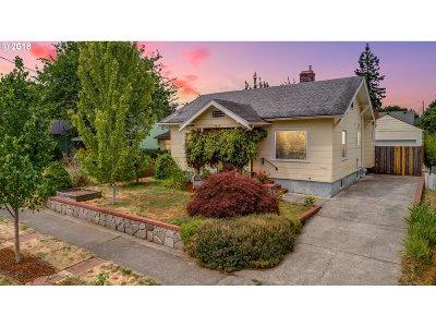 Clackamas County, Multnomah County, Washington County Single Family Home For Sale: 7025 N Fenwick Ave