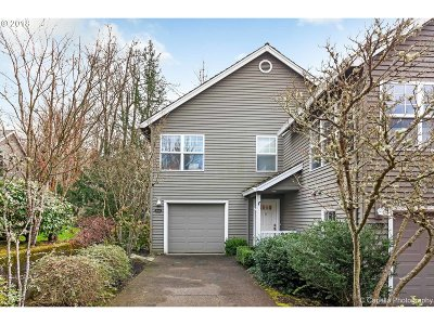 Portland Single Family Home For Sale: 9630 NW Miller Hill Dr