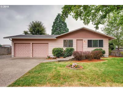 Clackamas Single Family Home For Sale: 12050 SE Tawny Dr