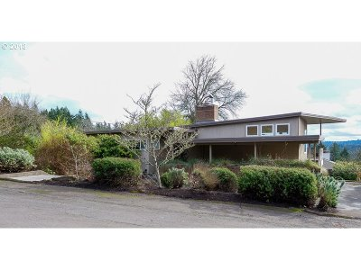 Single Family Home For Sale: 3700 SW Dosch Ct
