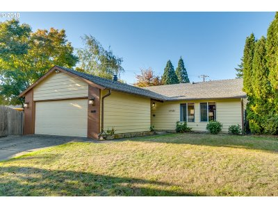 Beaverton Single Family Home For Sale: 12985 SW Conestoga Dr
