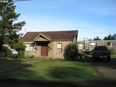 Coos Bay Multi Family Home For Sale: 1806 Thomas Ave