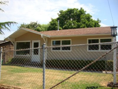 Portland Single Family Home For Sale: 9224 N Chase Ave