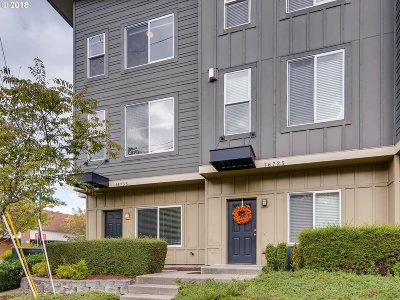 Beaverton Condo/Townhouse For Sale: 16735 SW Baseline Rd #101