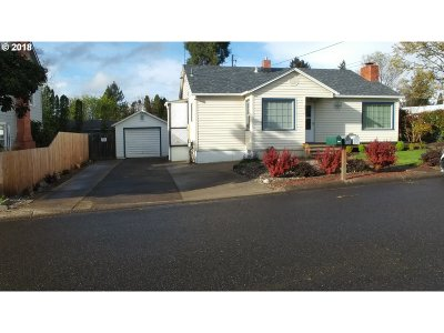 Roseburg OR Single Family Home For Sale: $169,000
