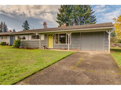 Portland Single Family Home For Sale: 619 NE 190th Ave