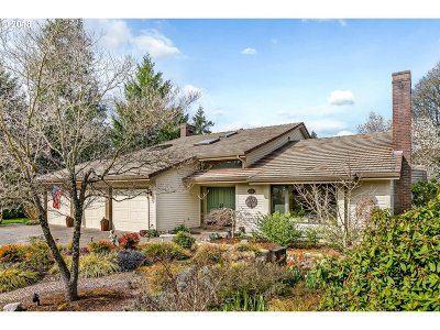Portland Single Family Home For Sale: 2775 NW Linmere Dr