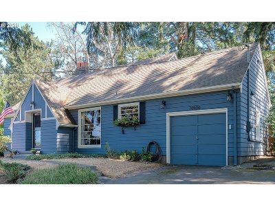 Portland Single Family Home For Sale: 10906 SW 57th Ave