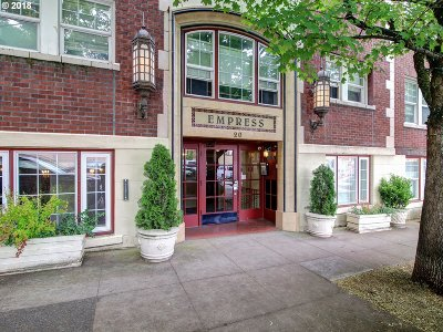 Condo/Townhouse For Sale: 20 NW 16th Ave #211