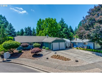 Tualatin Single Family Home For Sale: 8490 SW Nestucca Ct