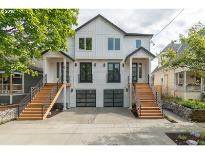 Multi Family Home For Sale: 533 NE Cook St