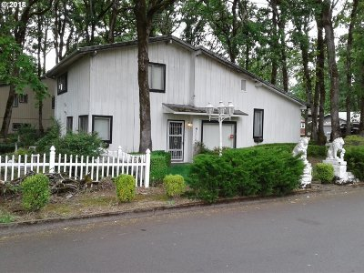 Milwaukie Single Family Home For Sale: 16355 SE Talwood Ln