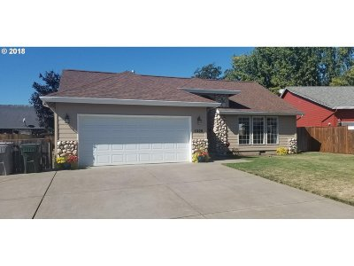 Junction City Single Family Home For Sale: 1325 Vine Ct