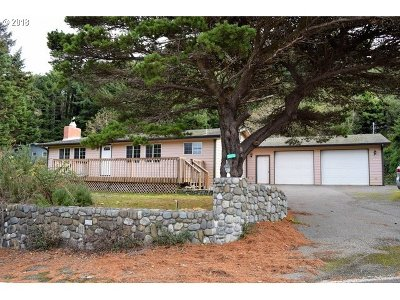 Gold Beach OR Single Family Home For Sale: $151,800