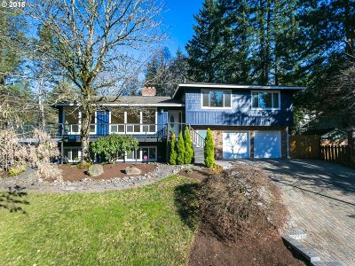 Milwaukie, Clackamas, Happy Valley Single Family Home For Sale: 9727 SE King Way