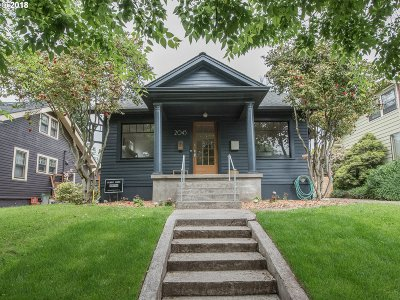 Single Family Home For Sale: 2045 SE Grant St