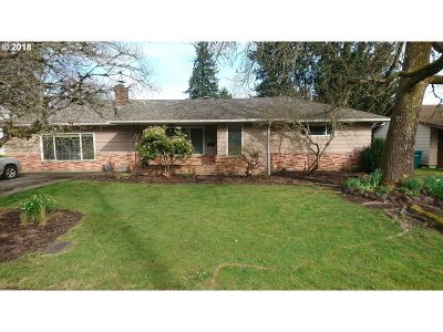Forest Grove Single Family Home For Sale: 1323 Hawthorne St