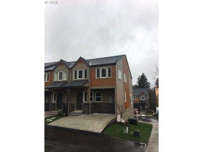 Sandy Single Family Home For Sale: 16802 Chula Vista Ave