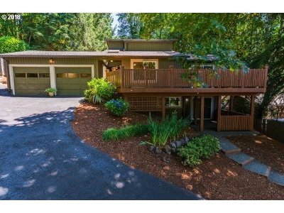 Lake Oswego Single Family Home For Sale: 1878 Southshore Blvd