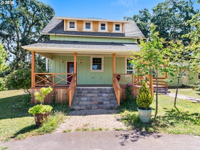 Yamhill Single Family Home For Sale: 1055 E 1st St
