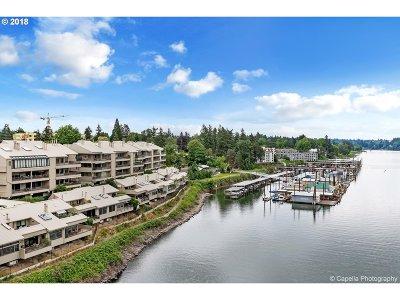 Condo/Townhouse For Sale: 294 SE Spokane St #B4
