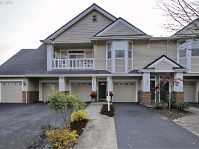West Linn Condo/Townhouse For Sale: 4365 Summerlinn Dr