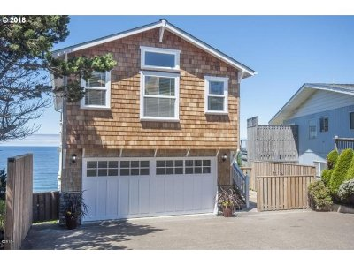 Lincoln City Single Family Home For Sale: 2313 SW Bard Loop