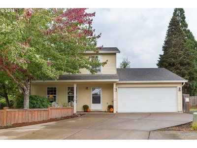 Newberg Single Family Home For Sale: 605 Lewis Ct