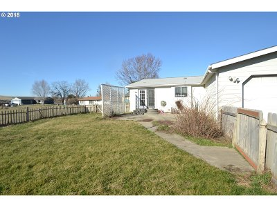 Pendleton Single Family Home For Sale: 43124 SW Gateway Ave