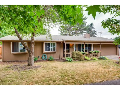 Clackamas County Single Family Home For Sale: 37590 Sandy Heights St