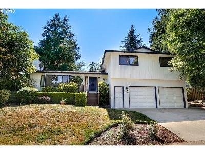 Beaverton Single Family Home For Sale: 7842 SW Barnard Dr