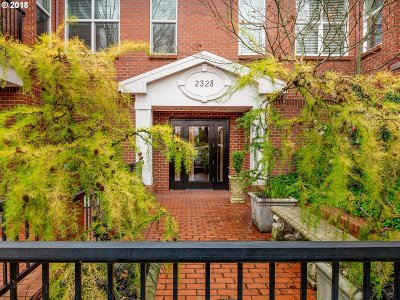Portland Condo/Townhouse For Sale: 2328 NW Glisan St #6