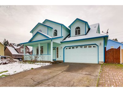 Portland Single Family Home For Sale: 5641 SE 137th Ave