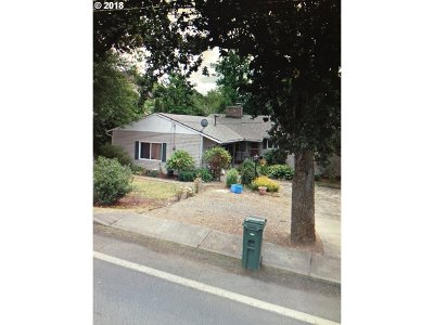Milwaukie Single Family Home For Sale: 3066 SE Concord Rd