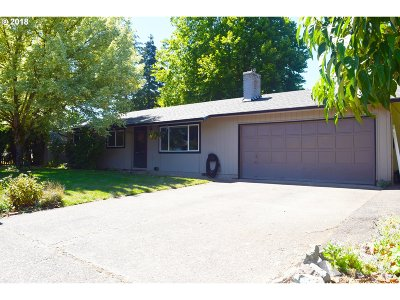 Cottage Grove Single Family Home For Sale: 325 S R St