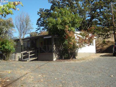 Roseburg Single Family Home For Sale: 2500 Eagles Rest