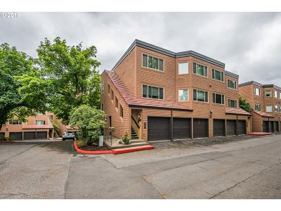 Lake Oswego Condo/Townhouse For Sale: 149 Oswego Smt