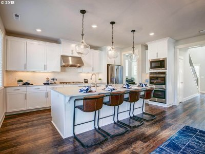 Single Family Home For Sale: 2903 NW Grace Ter