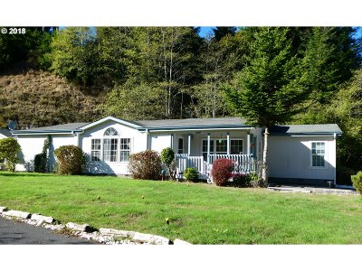 Gold Beach OR Single Family Home For Sale: $184,000