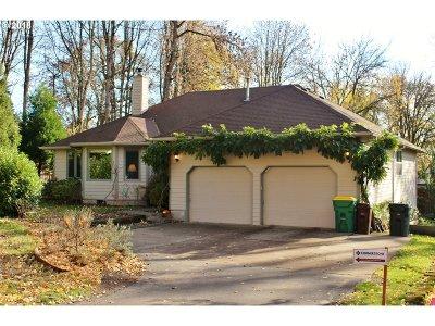 Washington County Single Family Home For Sale: 6612 SW Walnut Ter