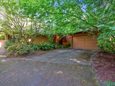 Single Family Home For Sale: 10045 SW Kennedy St