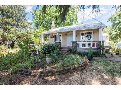 Single Family Home For Sale: 12959 SE Powell Blvd