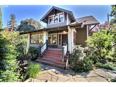 Portland Single Family Home For Sale: 7060 SE 13th Ave