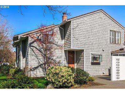 Portland Condo/Townhouse For Sale: 631 N Tomahawk Island Dr