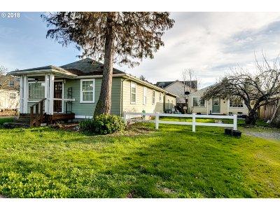 Eugene Single Family Home For Sale: 3056 Willakenzie Rd