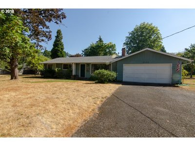 Hillsboro Single Family Home For Sale: 2130 SE Imlay Ave